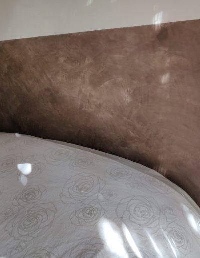 Enduit à la chaux pour votre tête de lit, In'terraé peintre décorateur en vendée et loire atlantique