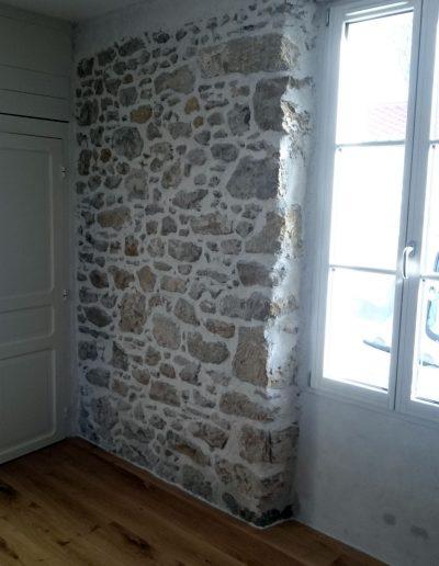 Enduit de chaux à pierre vue In'terraé matières décoratives en vendée et loire atlantique